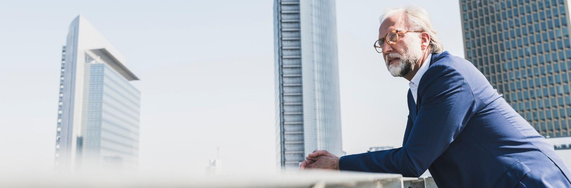 Geschäftsmann unterwegs in Frankfurt