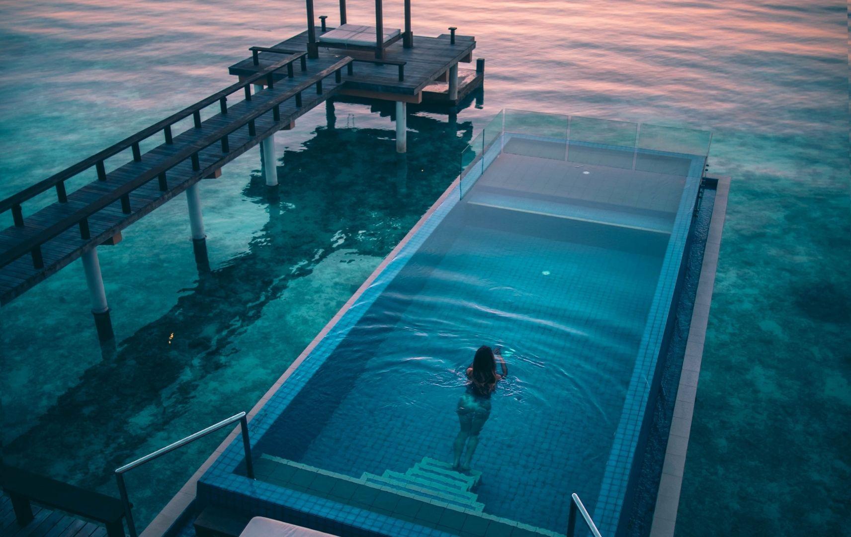 Pool im Meer
