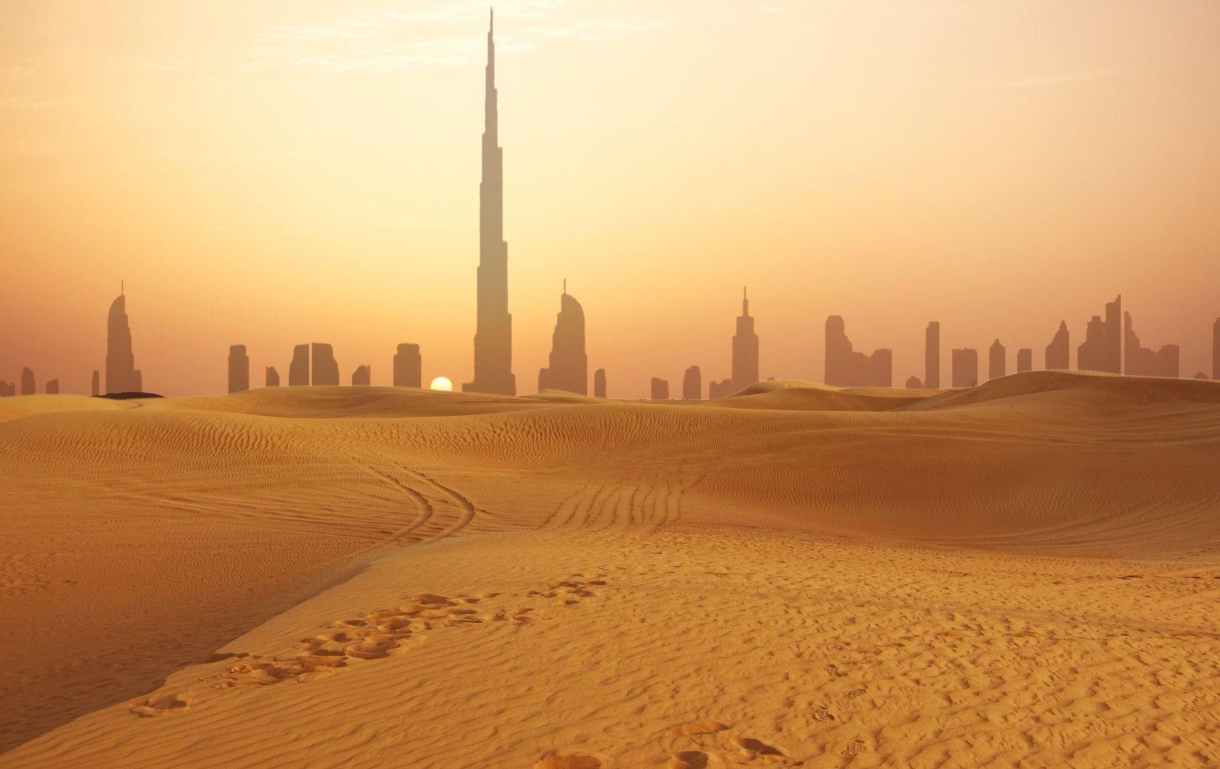 Kreuzfahrt top ten - Orient, Dubai Wüste und Skyline