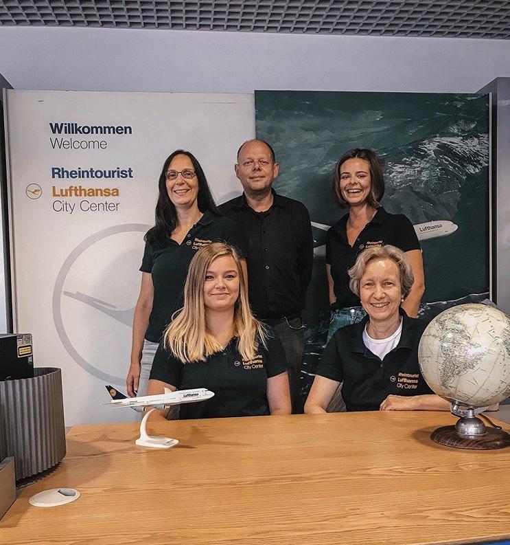 Lufthansa City Center Rheintourist Team