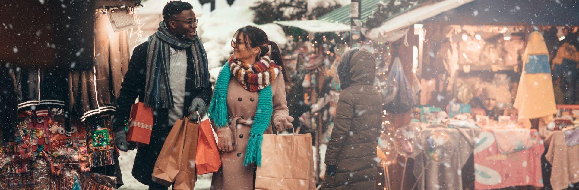 Weihnachtsshopping Paar