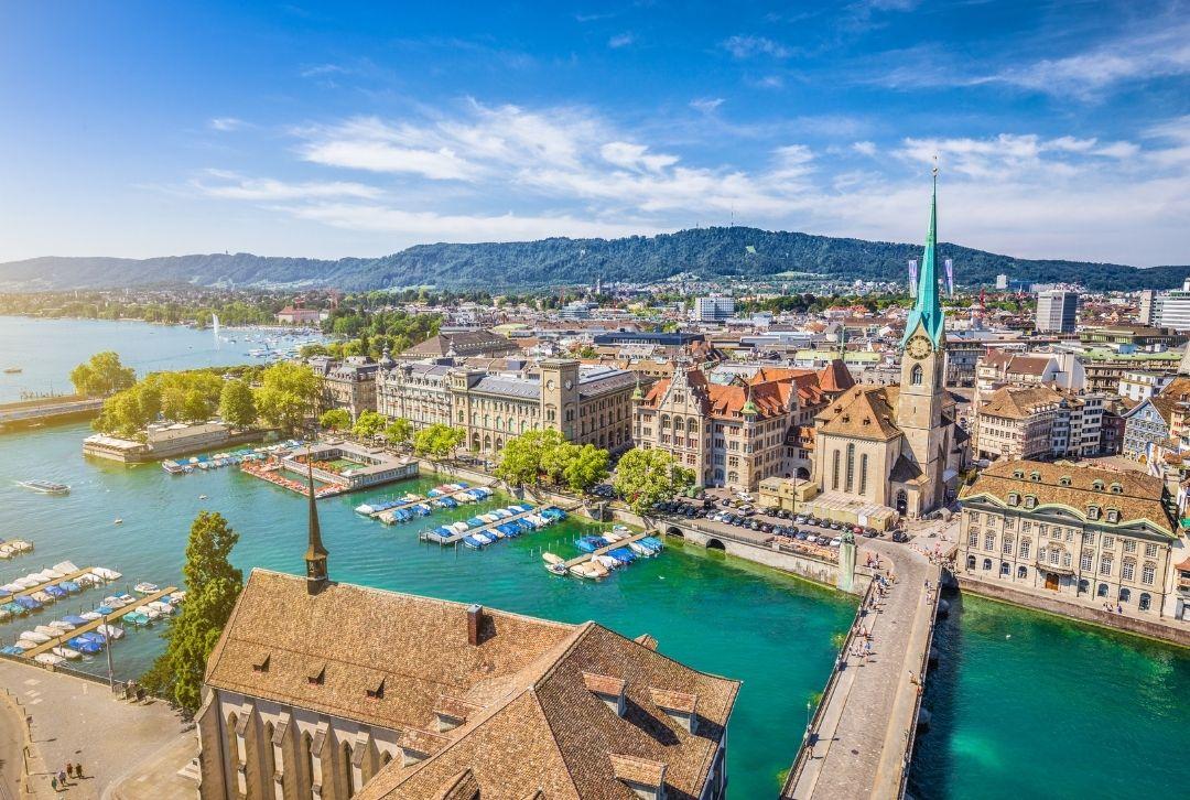 Zürich Altstadt mit Fluss Limmat