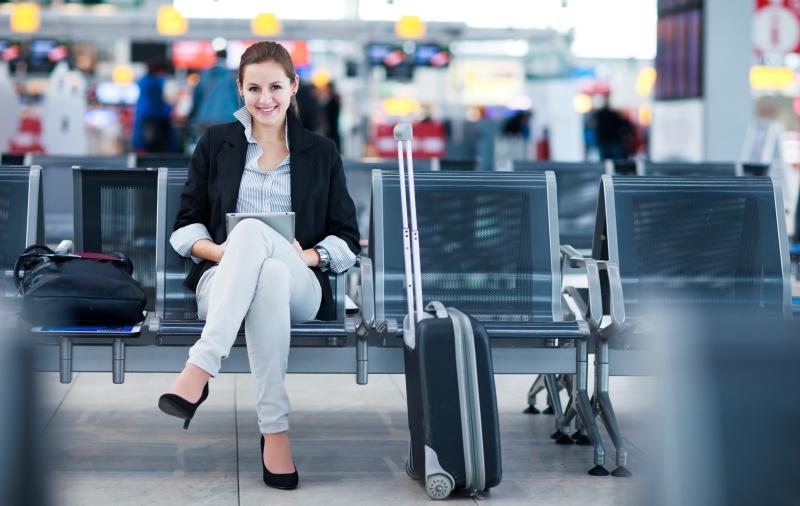 Geschäftsreisende am Flughafen