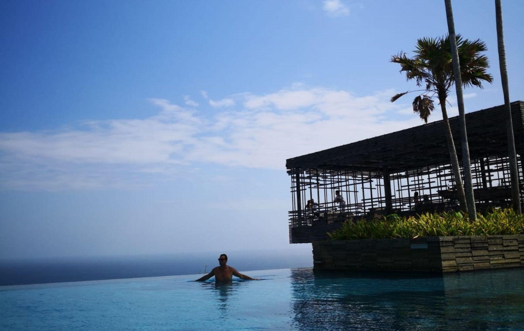 Alila Villas Uluwatu auf Bali, Infinity Pool