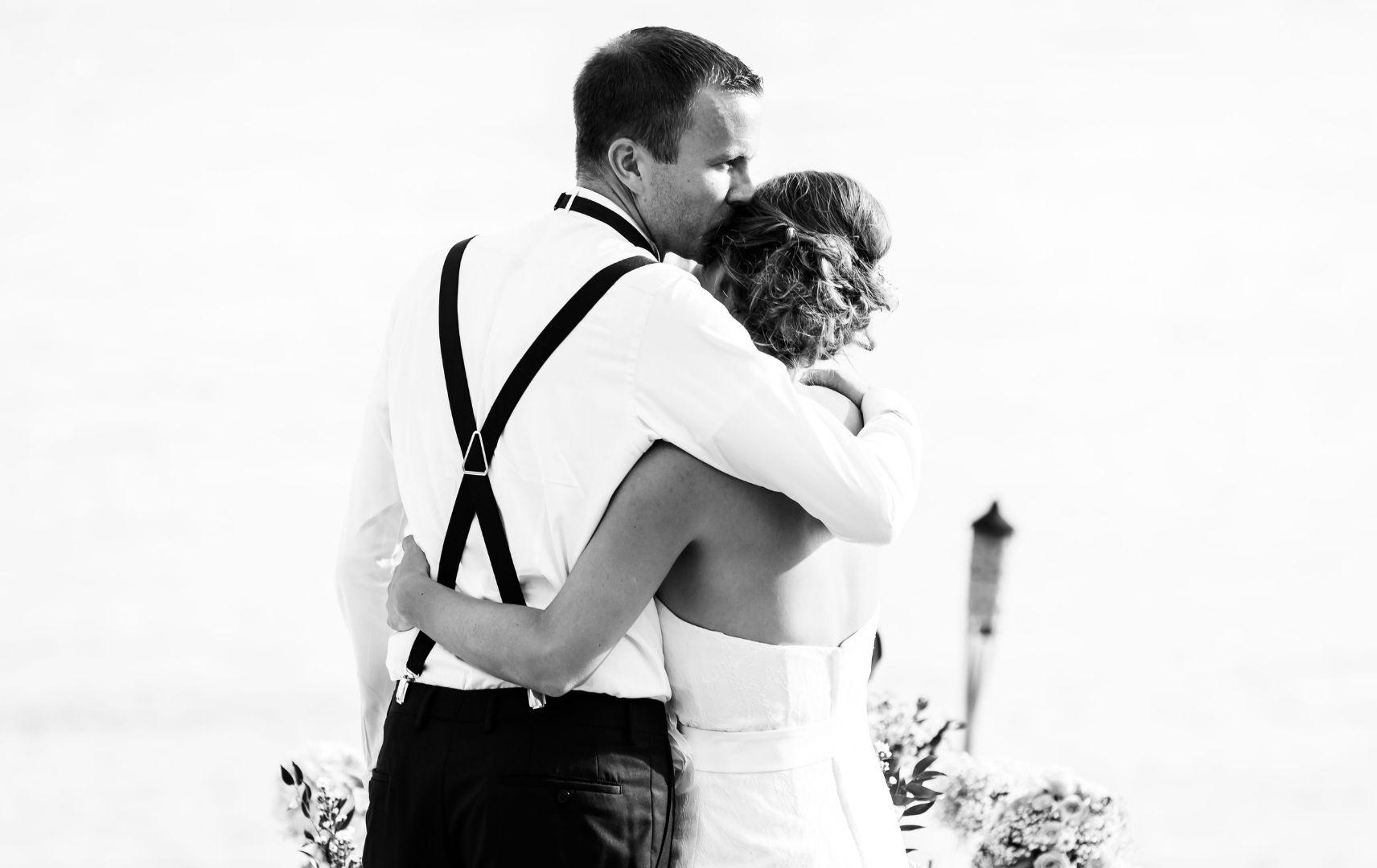 Sarah und Sebastian, Hochzeit im Ausland
