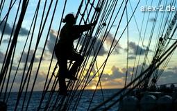 Frau klettert am Segel, Alexander von Humboldt II