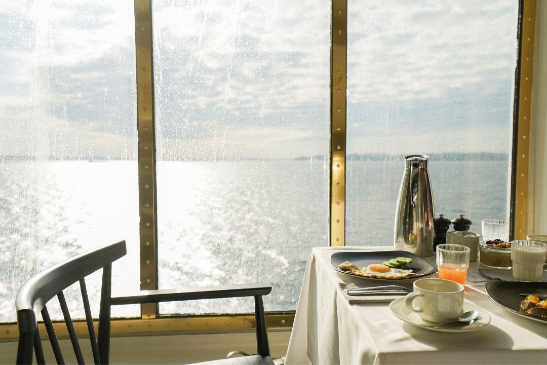 Essen mit Kreuzfahrt Blick