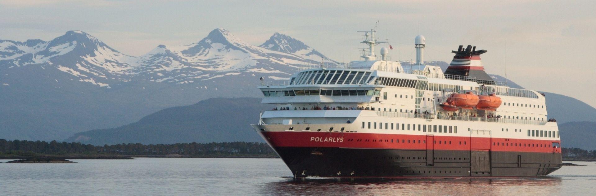 Hurtigruten Kreuzfahrtschiff