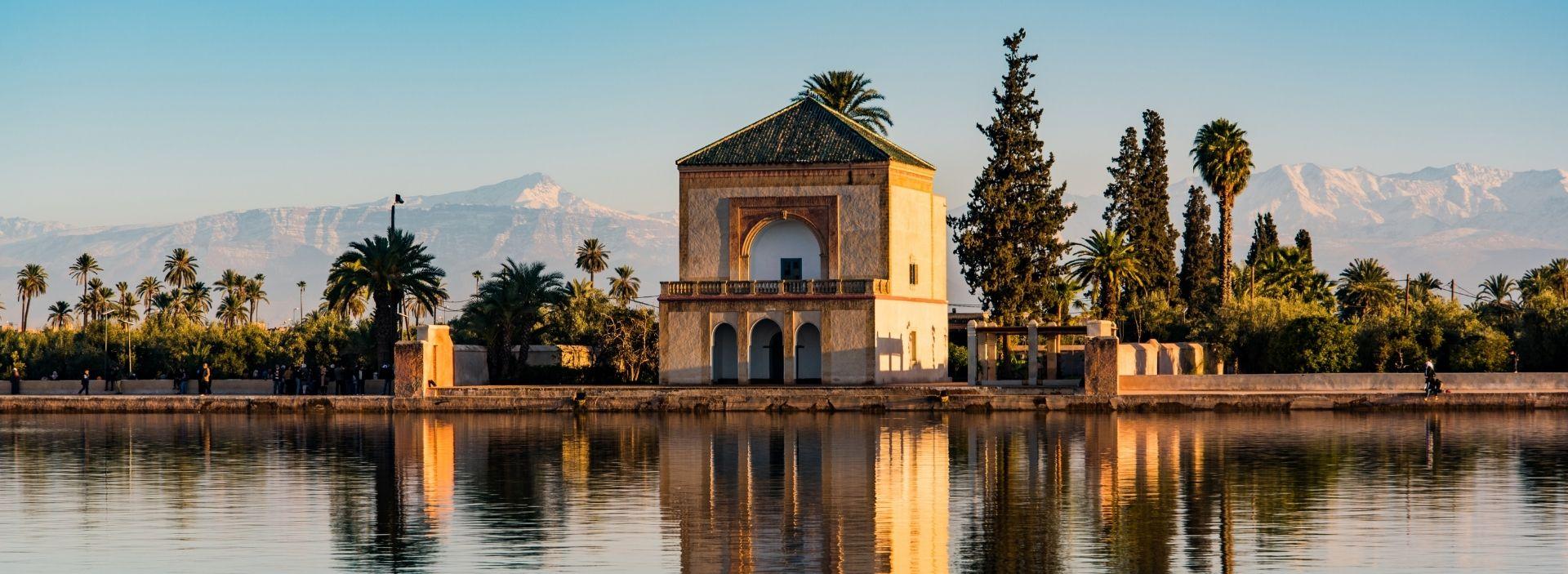 Marrakesch Menara Gardens und Atlasgebirge