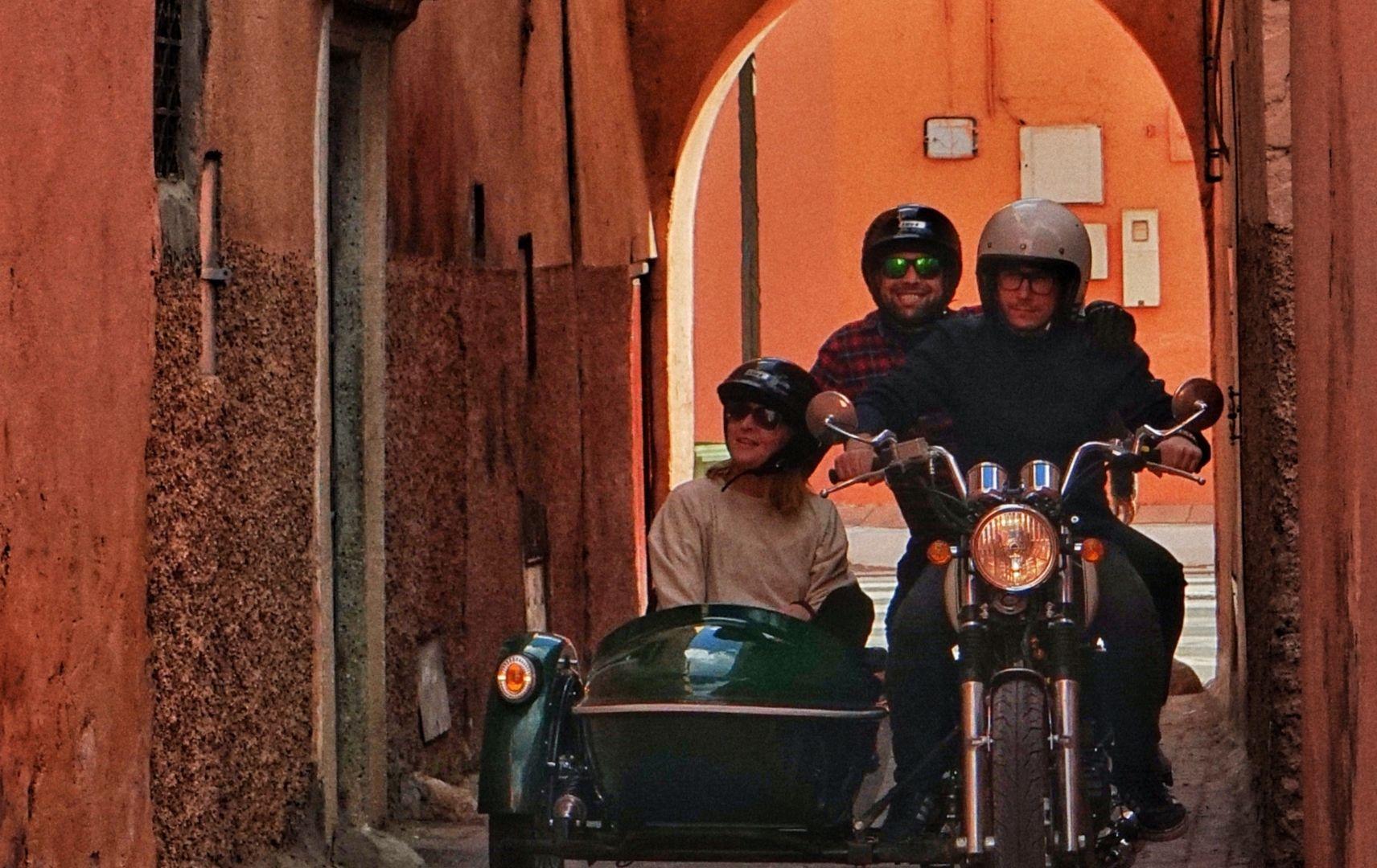 Marrakesch mit dem Motorrad durch die Medina