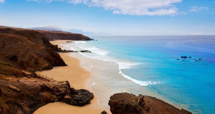 Gran Canaria Strand und Meer mit Klippen