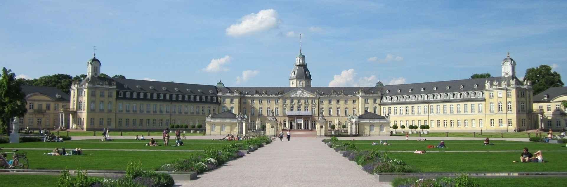 Karlsruher Schloss und Parkanlage