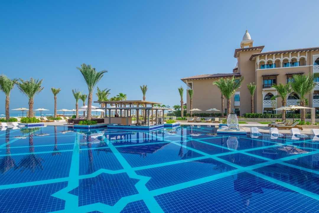 Rixos Premium Saadiyat Island: Pool-Landschaft