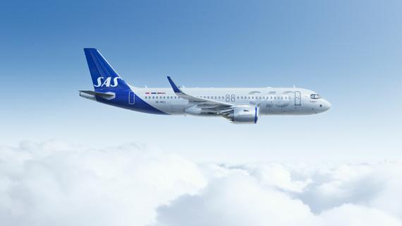 Airbus A320neo von SAS Scandinavian Airlines über den Wolken