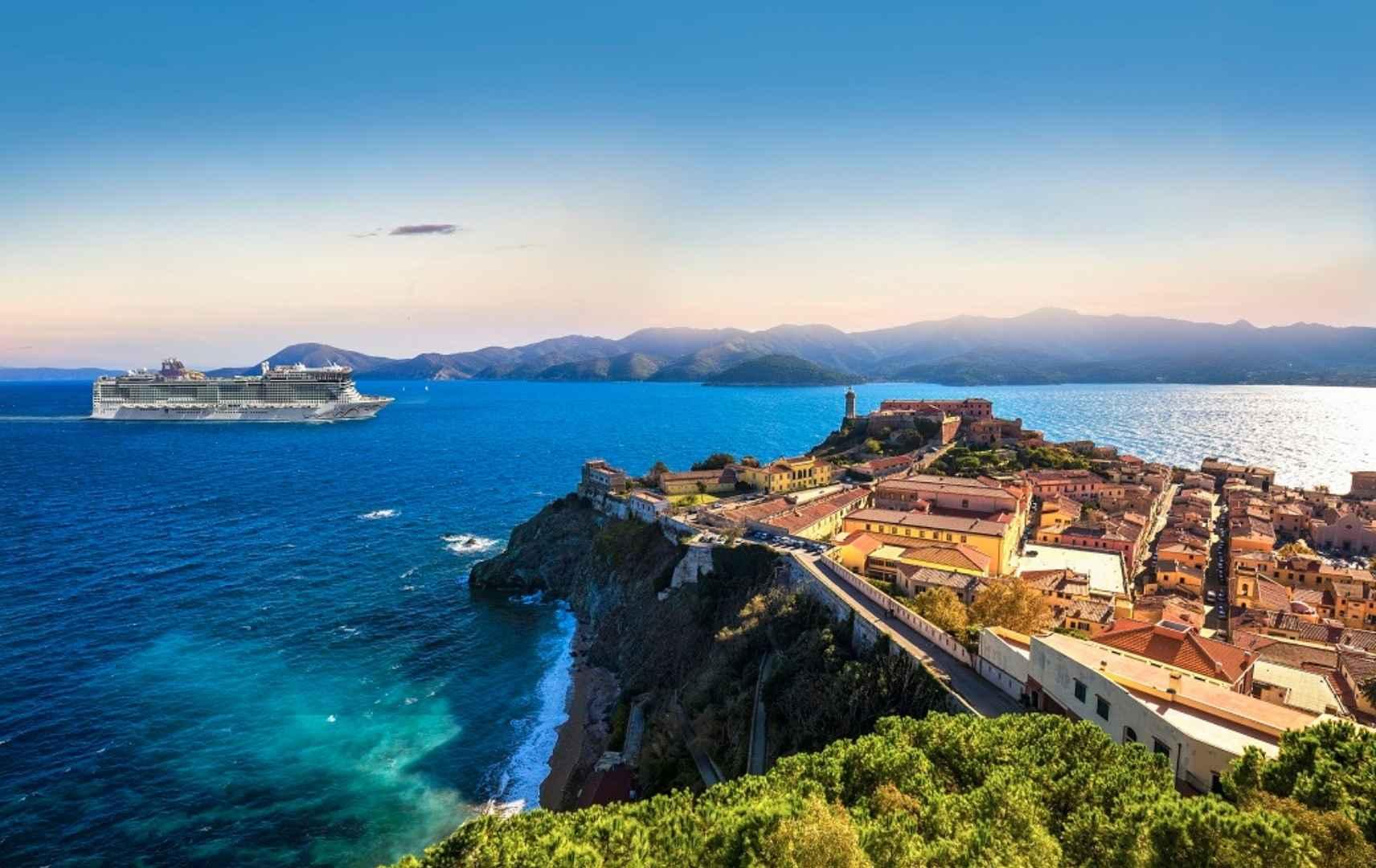 Westliches Mittelmeer ab Barcelona oder Rom (Civitavecchia)