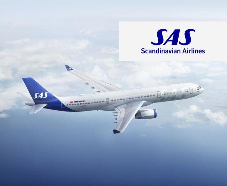 Flugzeug SAS über den Wolken