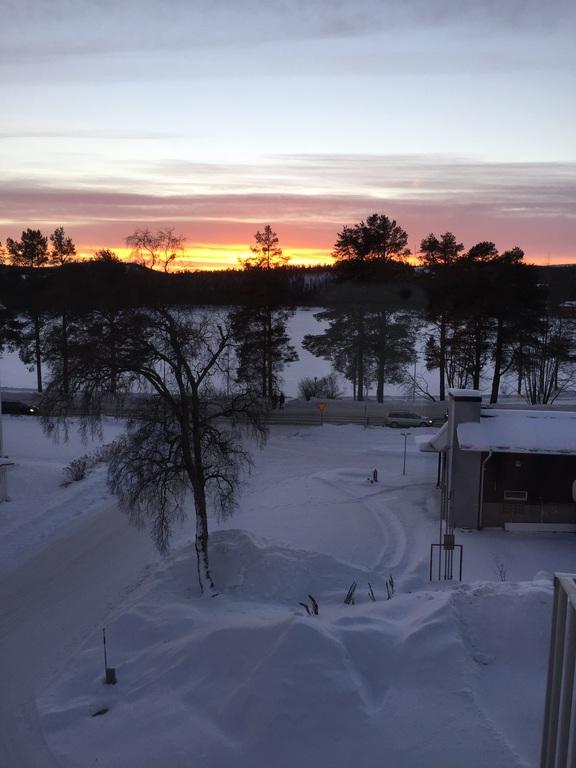 Lappland Aussicht vom Hotelbalkon mittag um 2Uhr