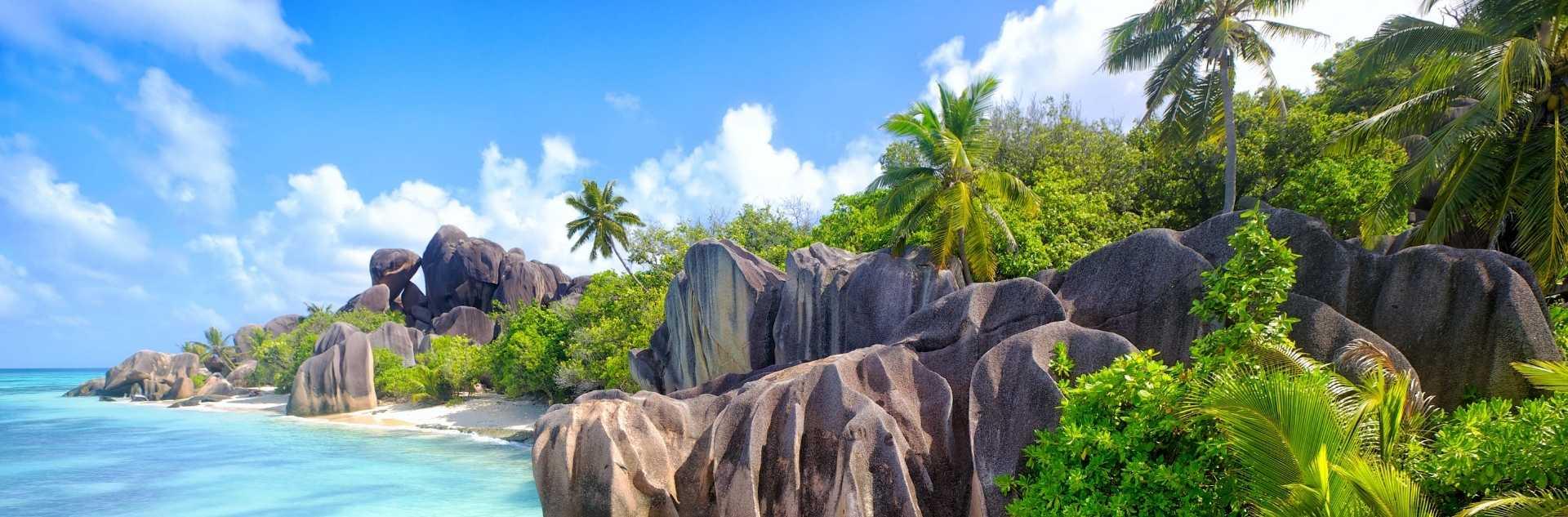 Strand und Meer auf La Digue-Seychellen