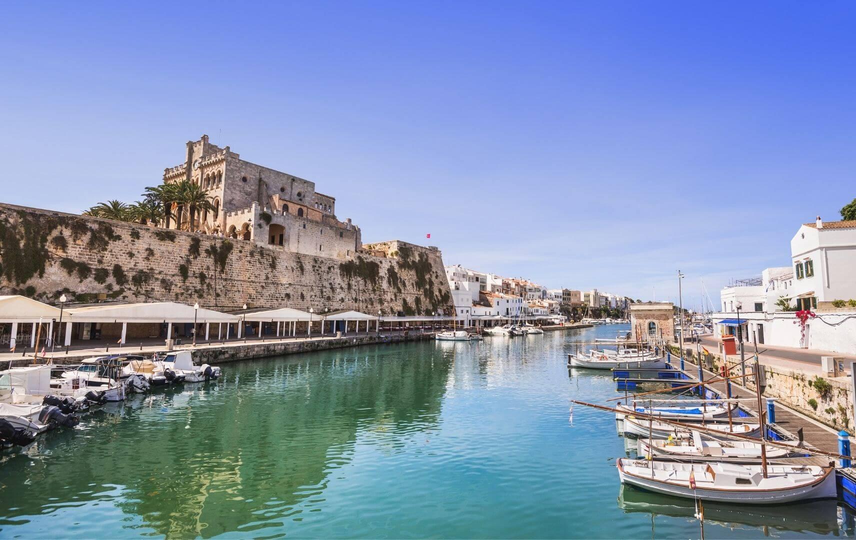 Menorca Hafenansicht