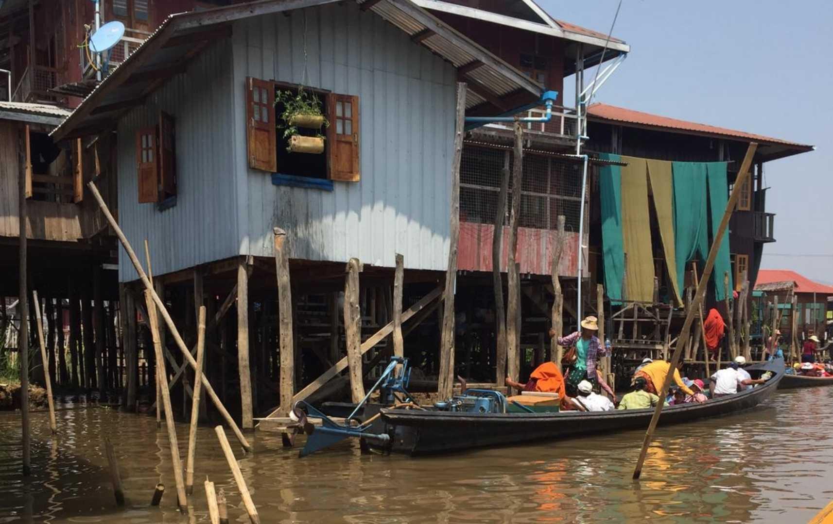 Auf dem Wasser - Myanmar