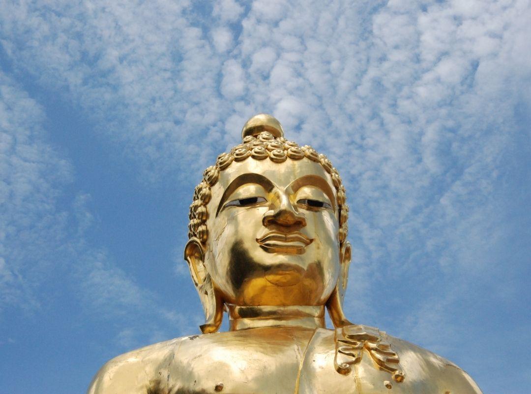 Goldene Buddah-Statue