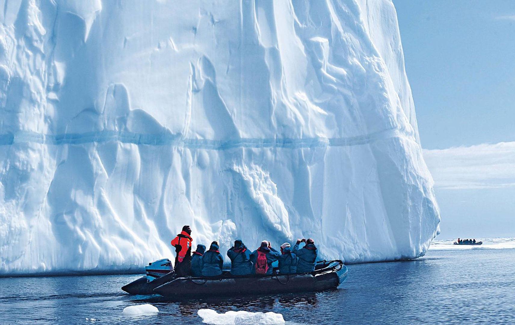 Exkursion ins Eis mit Zodiaks