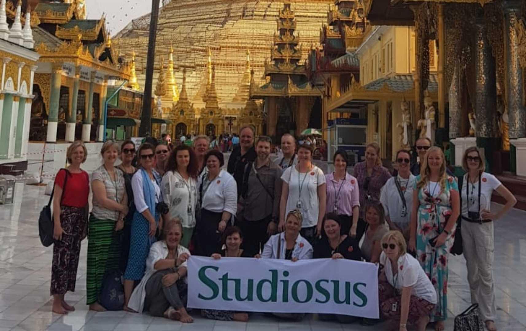 Reisegruppe Shwedagon-Pagode - Myanmar