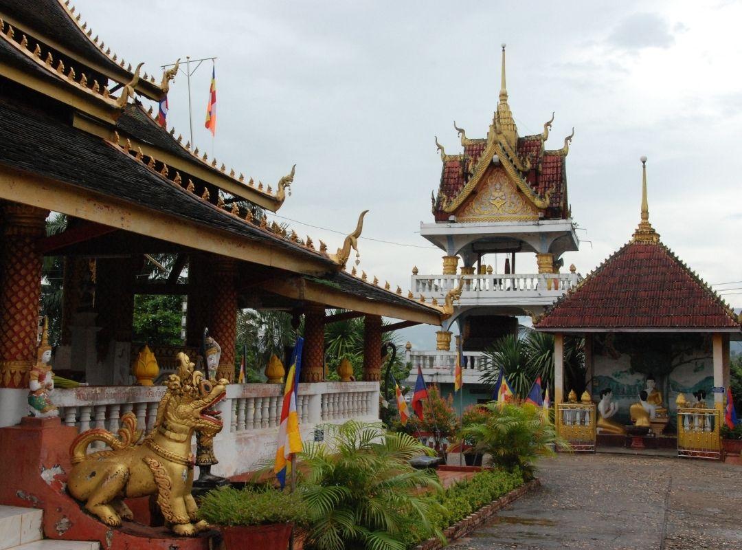 Tempelanlage in Laos